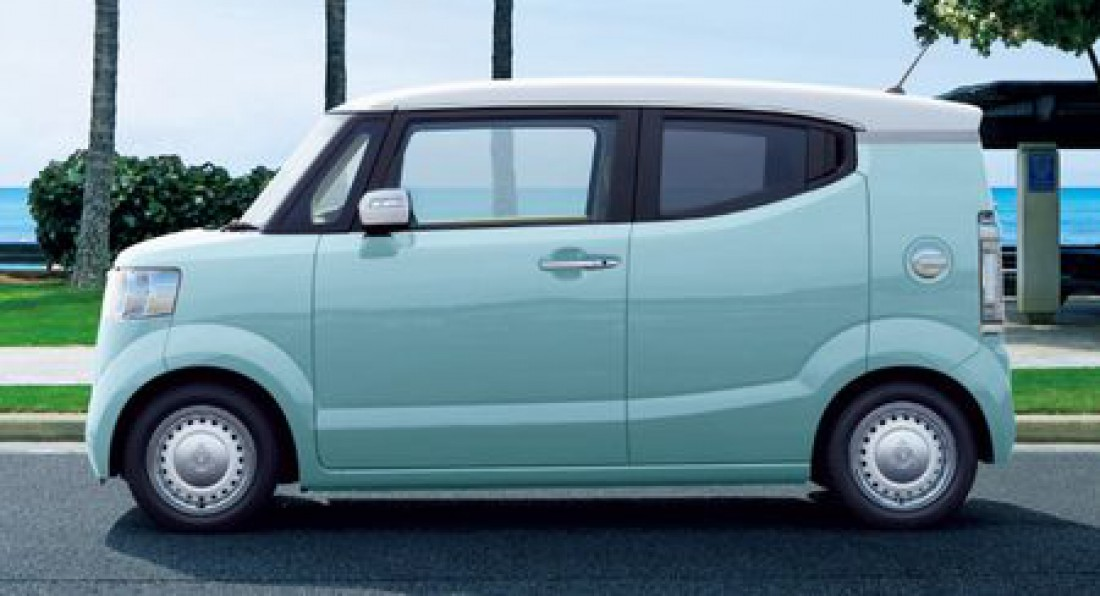 Япония - микроавтобус кей-кар Honda N-Box (Продано 241 870 авто)