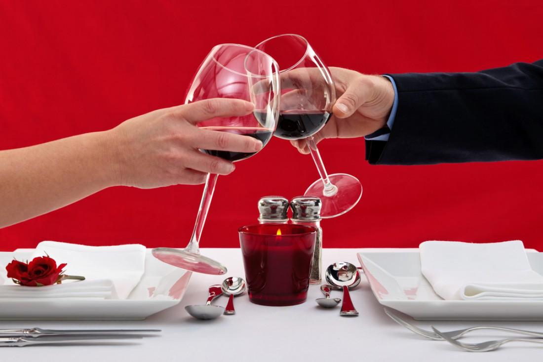 Одни уверены в пользе красного вина, другие – наоборот. На чьей стороне ты?