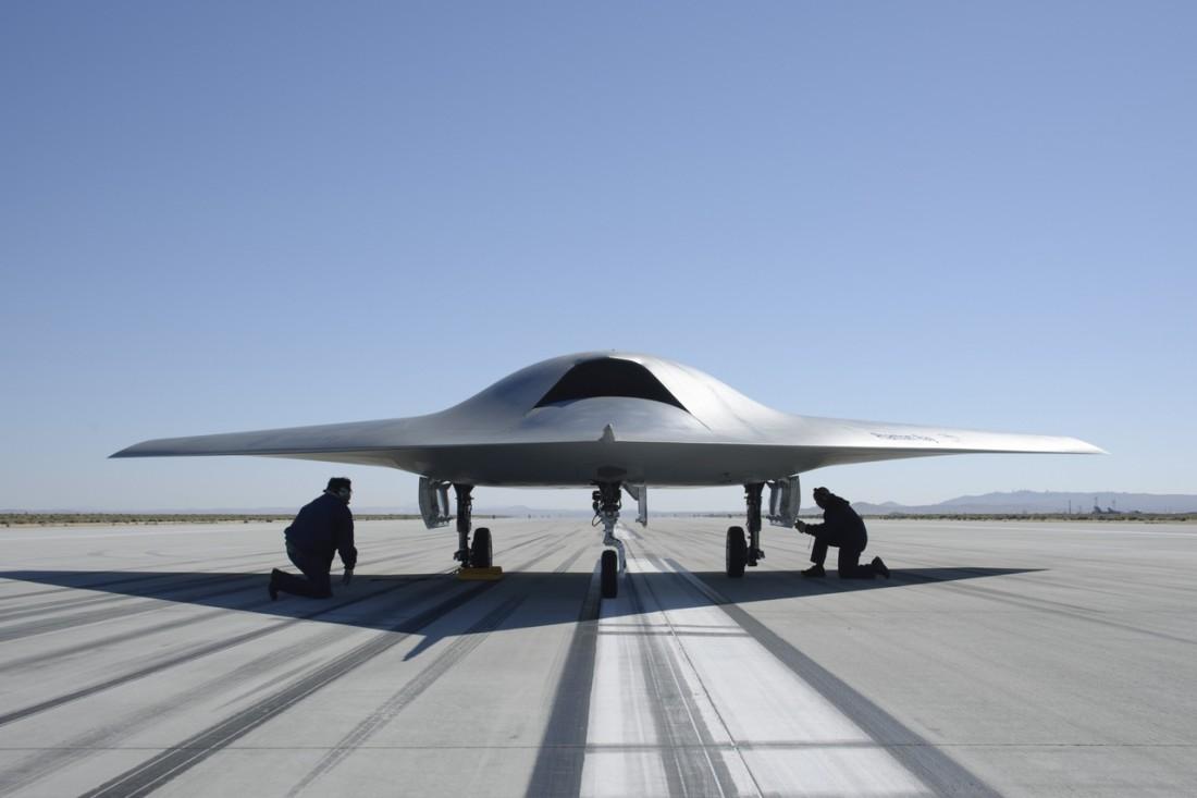 Boeing Phantom Ray имеет размер, близкий размеру обычного реактивного истребителя