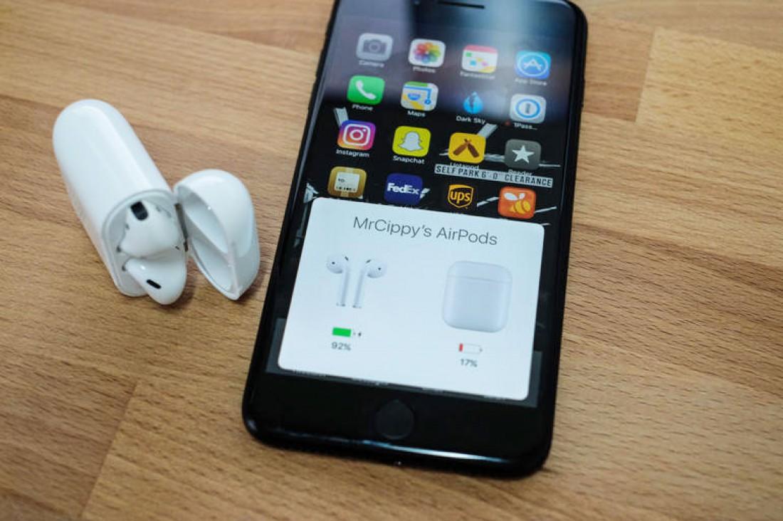 Первые юзеры Apple AirPods поведали онедостатках наушников