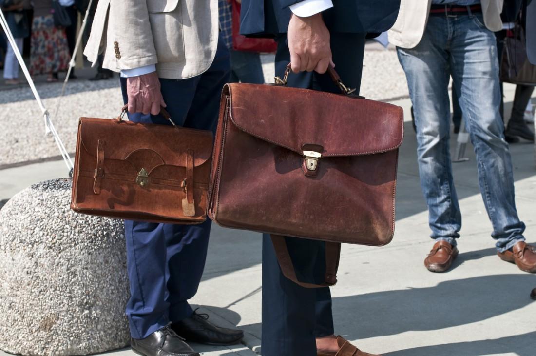 Мужская сумка всегда должна быть удобной, практичной, вместительной, и стильной