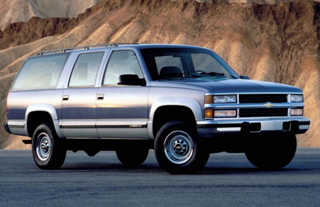 Chevrolet Suburban. Эпичный внедорожник, на котором только гонять по пирожки