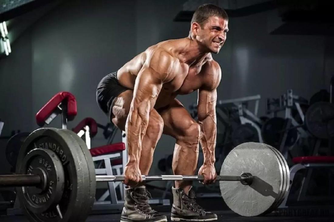 Становая тяга — спонсор сильных спин и накачанных ног