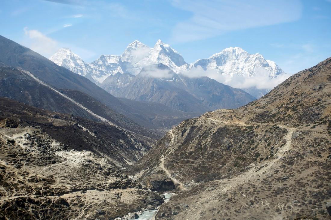 Эверест — высочайшая вершина Земли (8 848 метров)