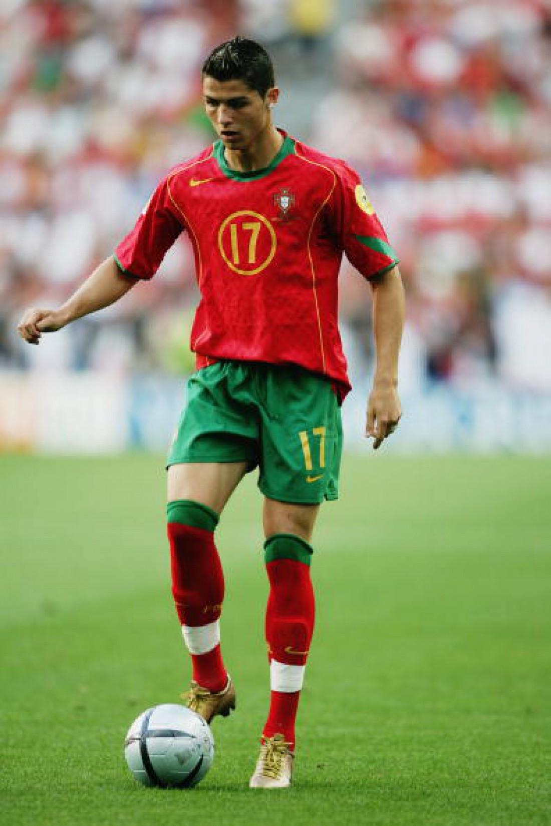 Криштиану Роналду в 2004 году