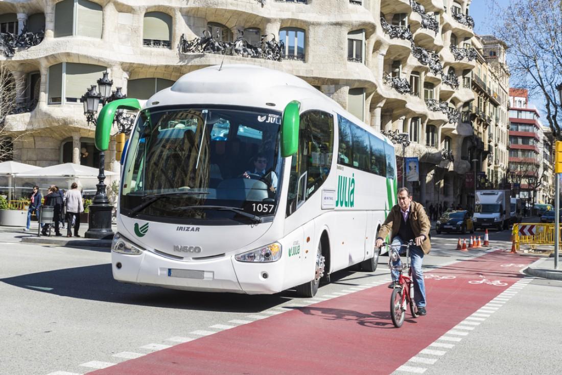 Барселона вся усеяна дорожками для велосипедистов