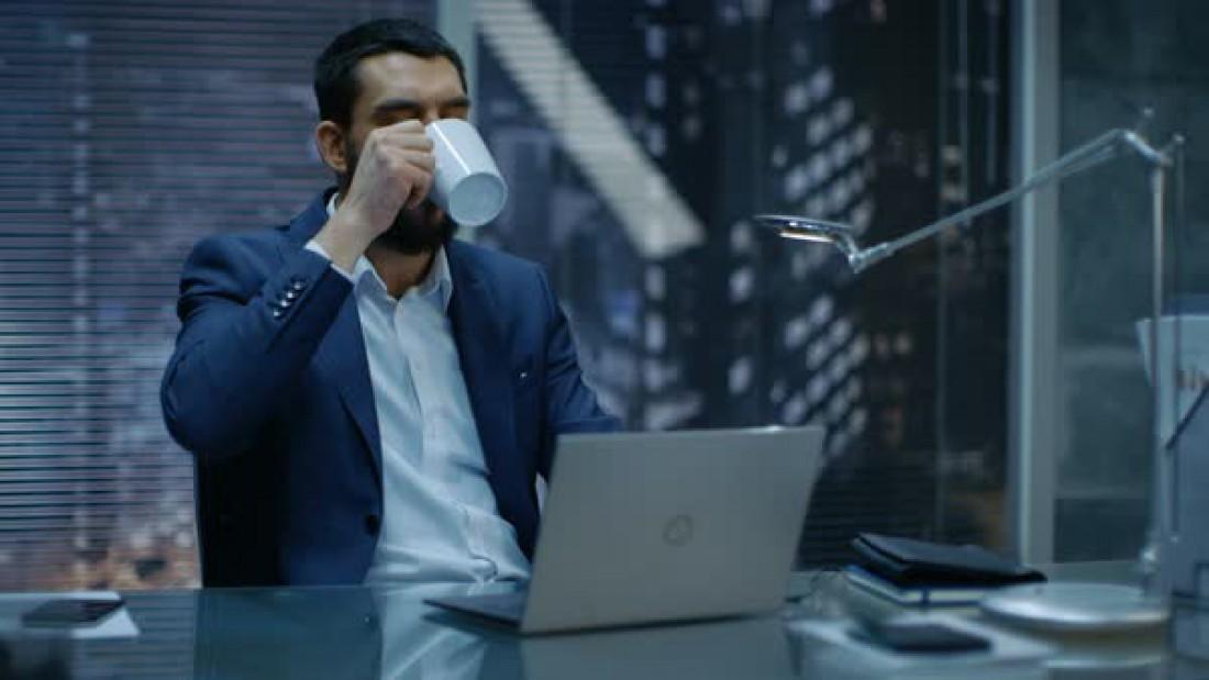 Кофе — незаменимый помощник в ночном существовании сов