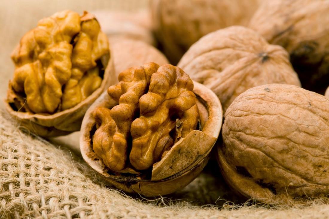 Орехи заряжают головной мозг полезными веществами. Ешь их