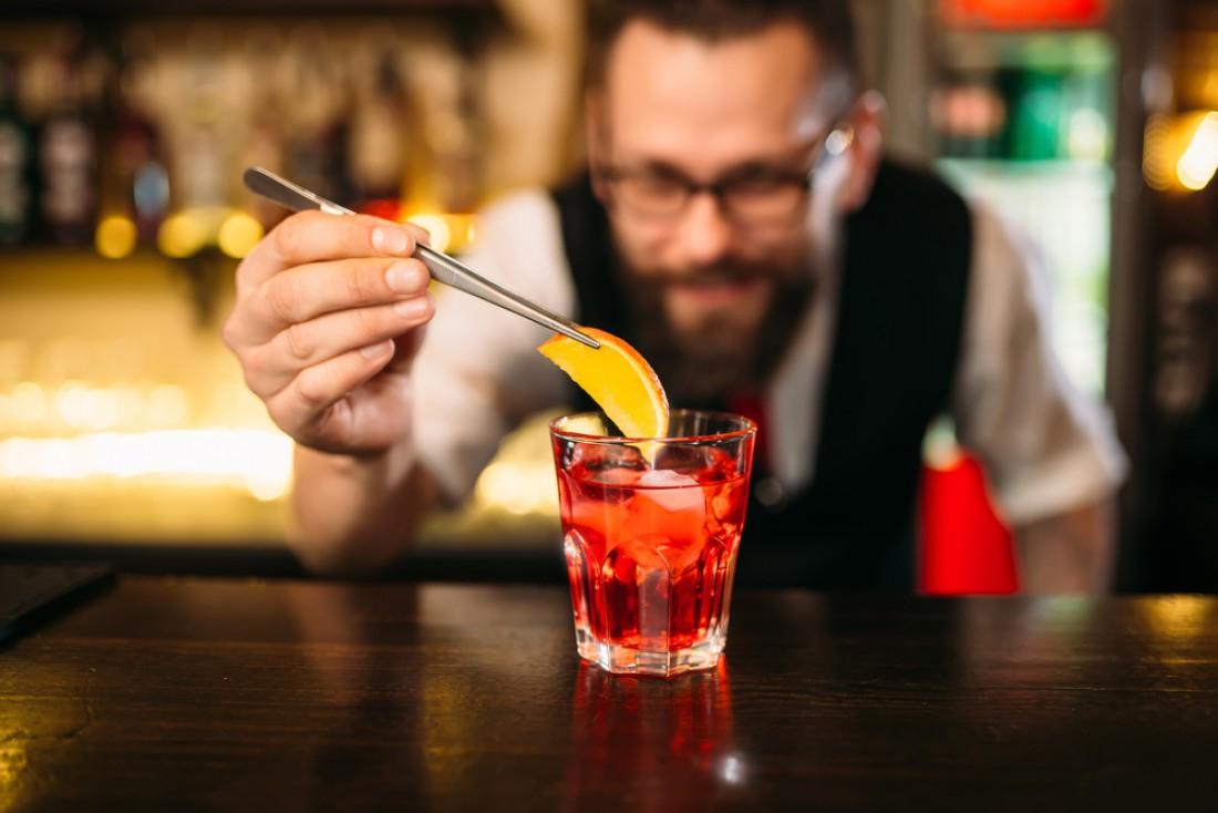 Взрослым и состоятельным мужчинам не к лицу гламурная выпивка
