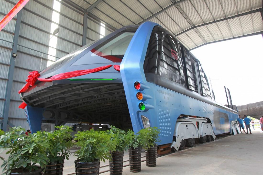 TEB-1 — китайский автобус, который не боится пробок