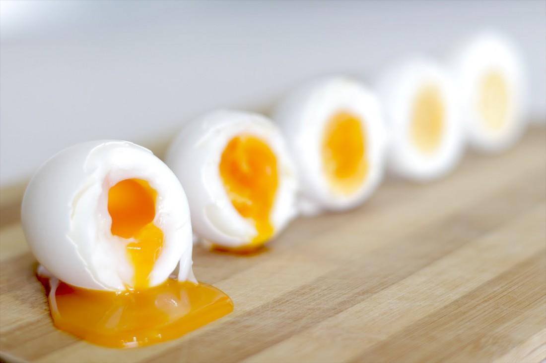 Яйца. Чем круче, тем правее (на данном фото)