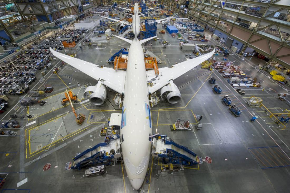 Завод Boeing в Эверетте. Самое большое производственное здание в мире