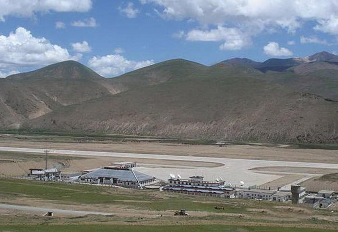 Аэропорт Банда находится на высоте 4000 метров
