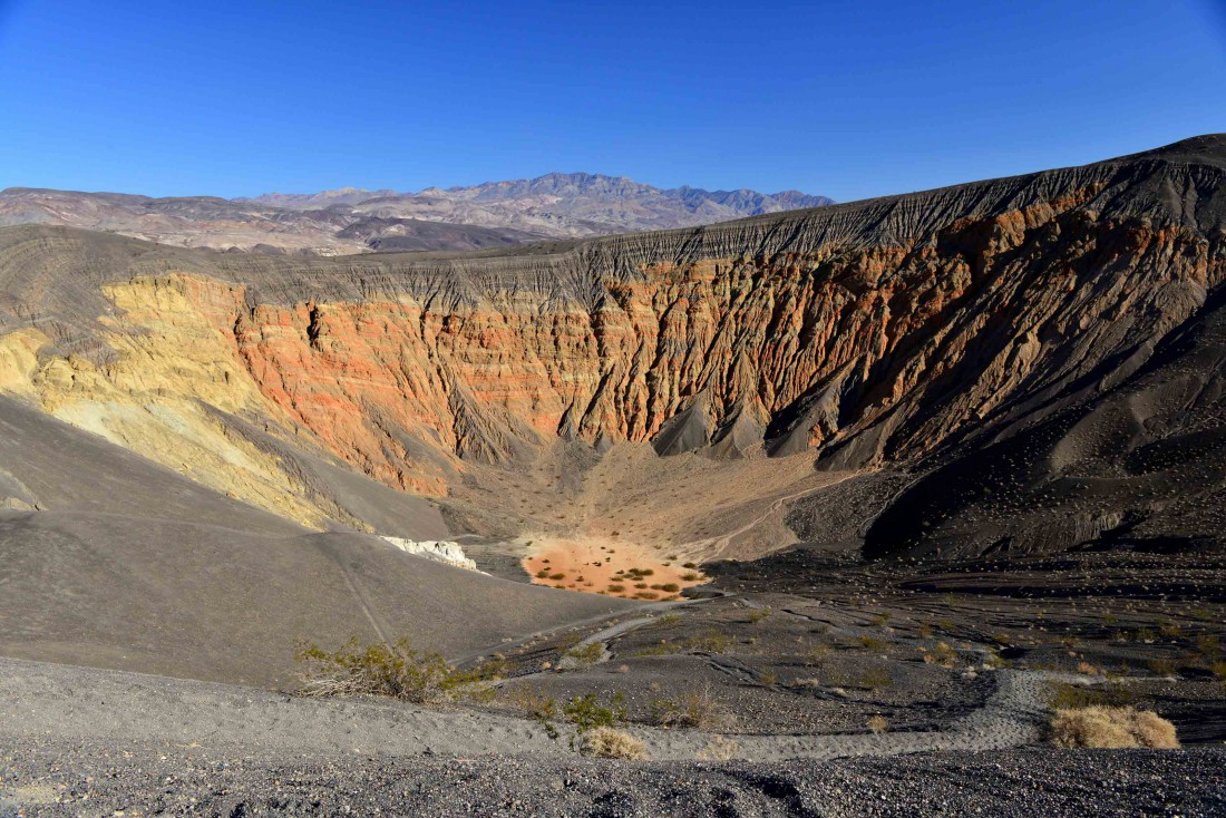 В Долине смерти расположена самая низкая точка Северной Америки — 86 метров ниже уровня моря