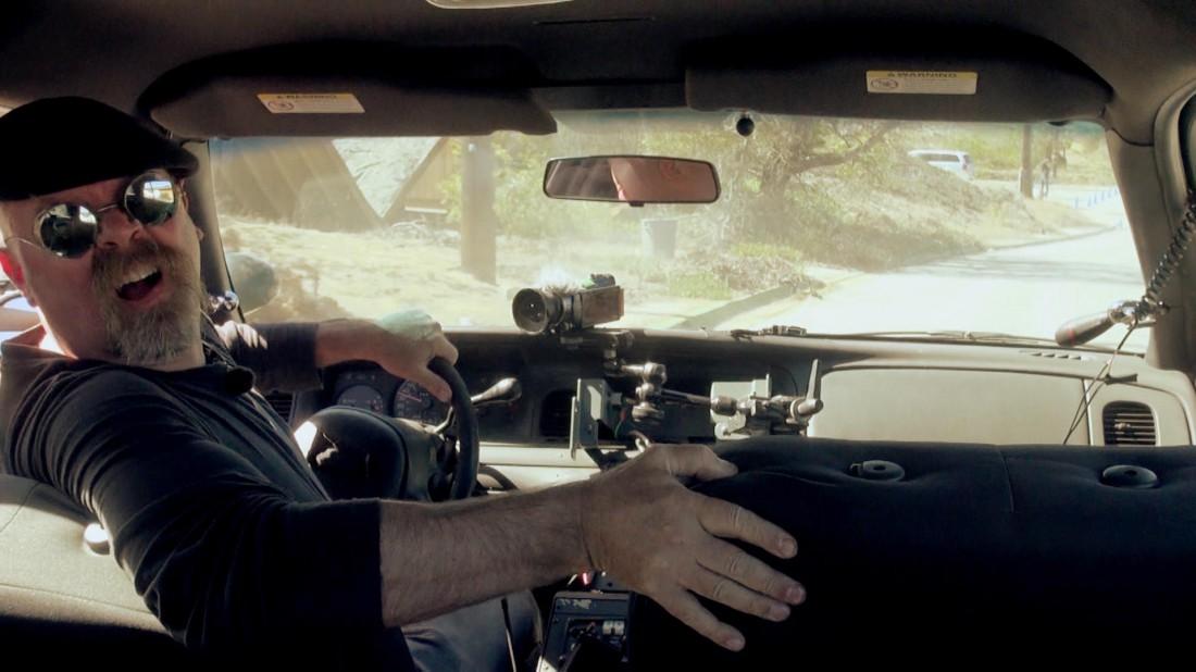 Джейми Хайнеман в экспериментальном авто