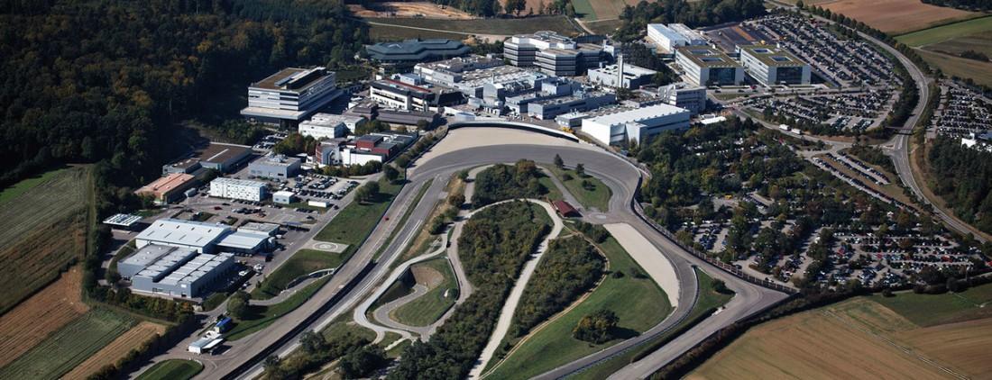 Центр новейших разработок Porsche в городе Вайсах