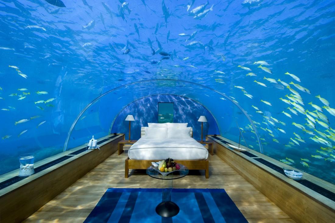 Номера Conrad Maldives Rangali Island сделаны из сверхпрочного стекла