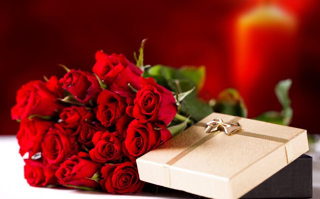 Что подарить девушке на 8 марта? Обязательно порадуй ее цветами