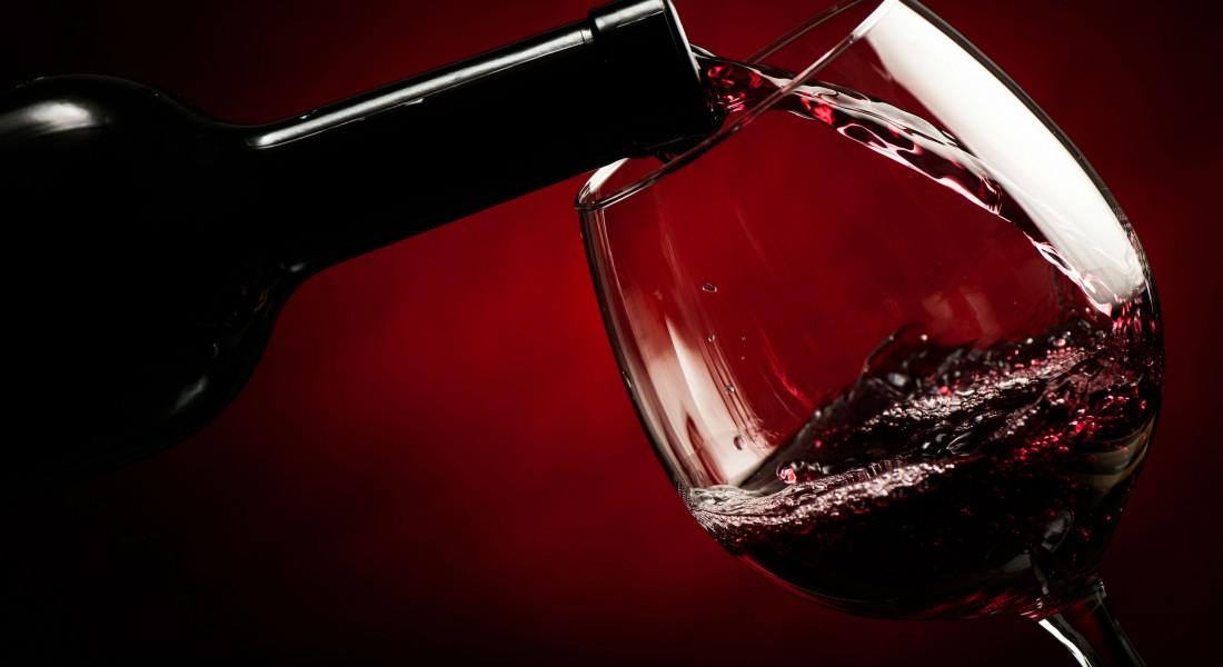 Бокал сухого красного вина в день уменьшает риск сердечно-сосудистых болезней