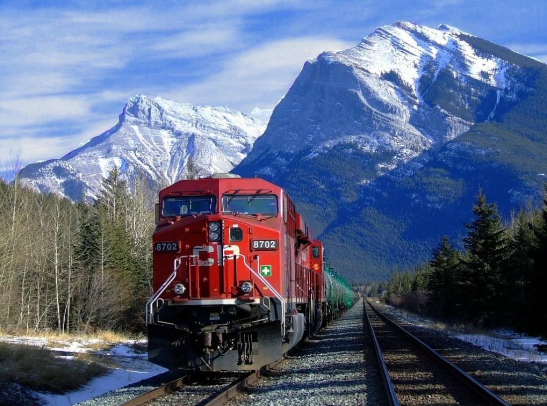 15.11.2001 — на Канадской железной дороге разлилось 3000 тонн топлива