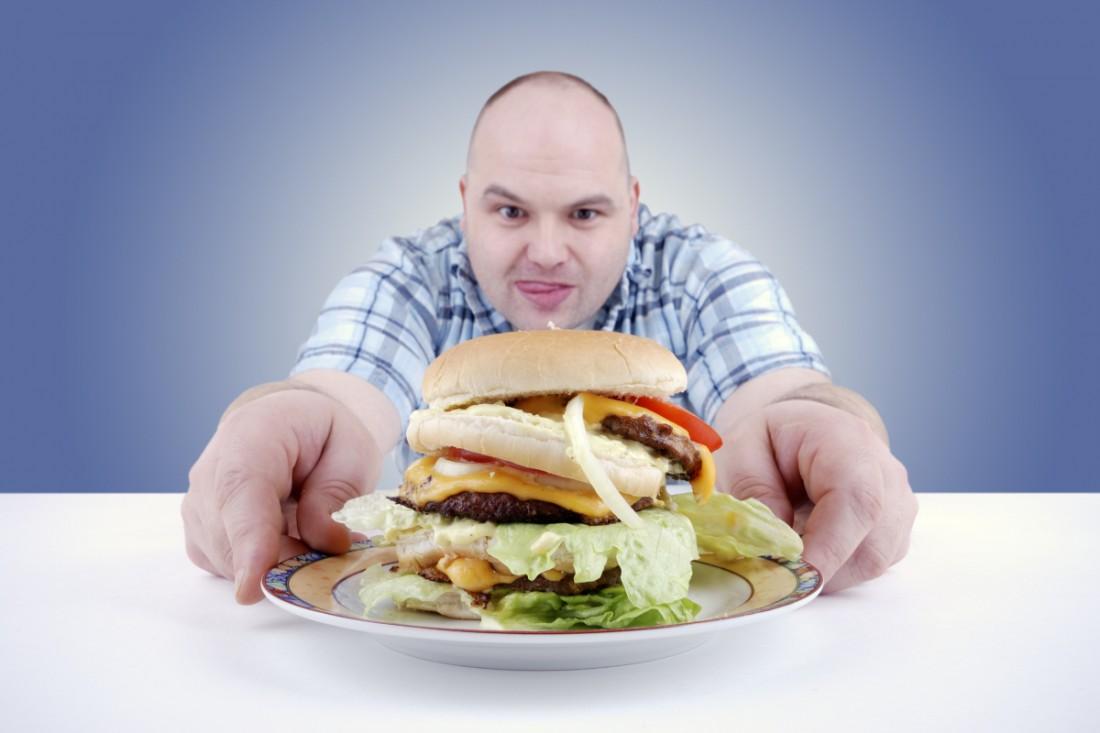 Вкусный фастфуд — спонсор ожирения. Ешь его, если любишь быть толстым