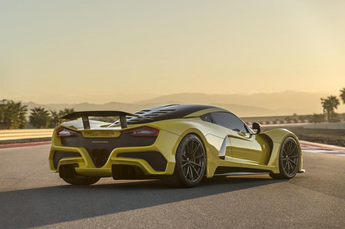 Hennessey Venom F5. Кузов — из карбона. Шасси