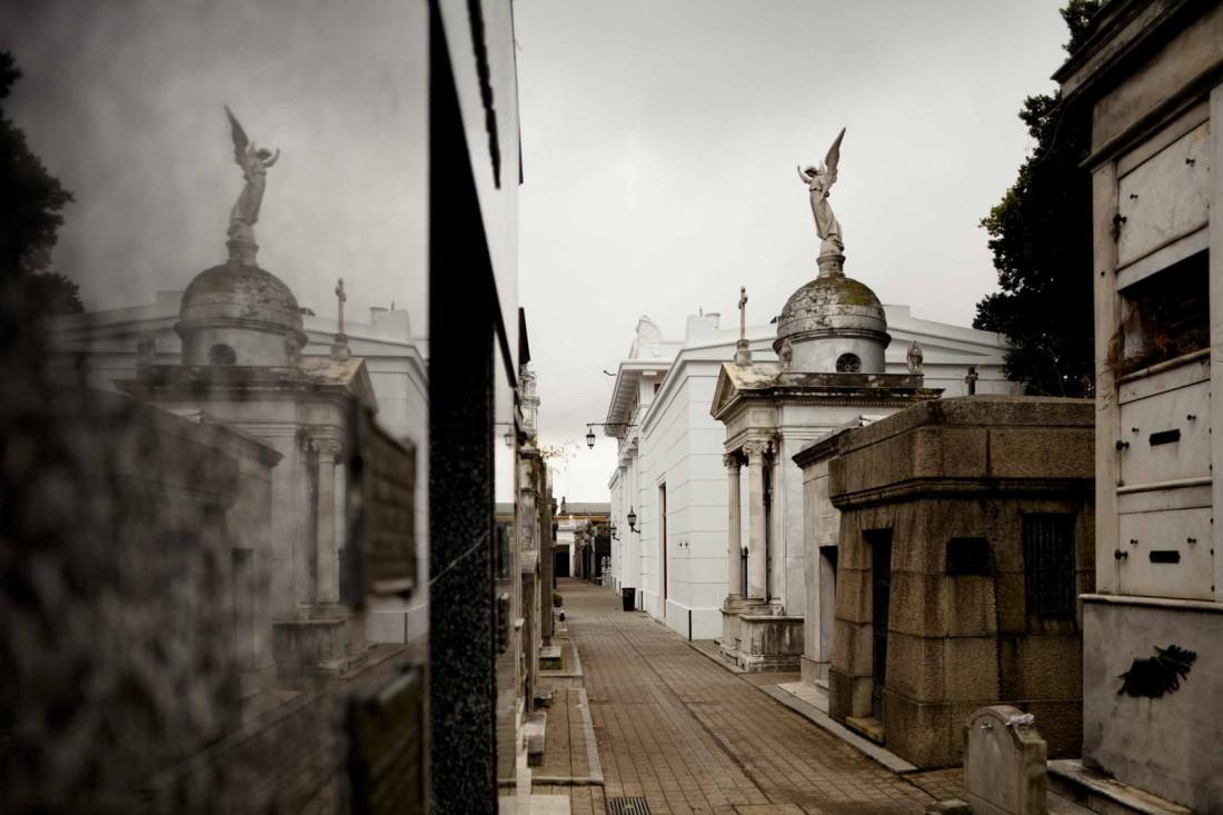 Реколета, Буэнос-Айрес, Аргентина. Кладбище прямо в центре города