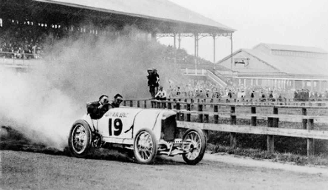 Benz No3 смог поставить рекорд без аварий. Скорость – 199,7 км/час