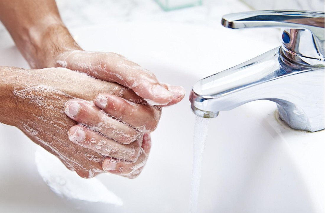 Мыть с мылом член