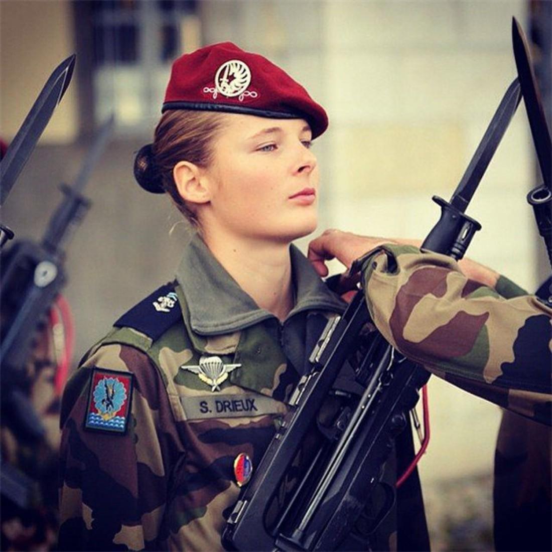 Вторая мировая заставила Францию набирать в войска и женщин
