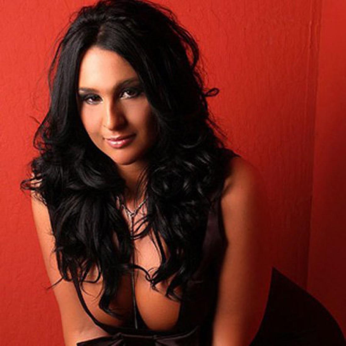 Натали Дилан. Готова была продать свою девственность в онлайн-борделе
