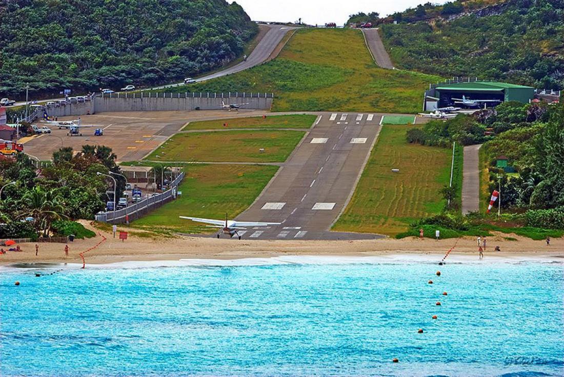 Аэропорт Густав III имеет невероятно короткую ВПП