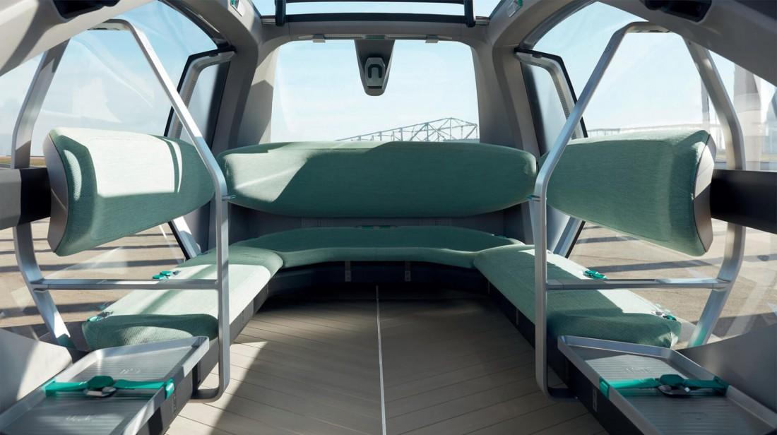 Салон Renault EZ-GO с его U-образным диваном