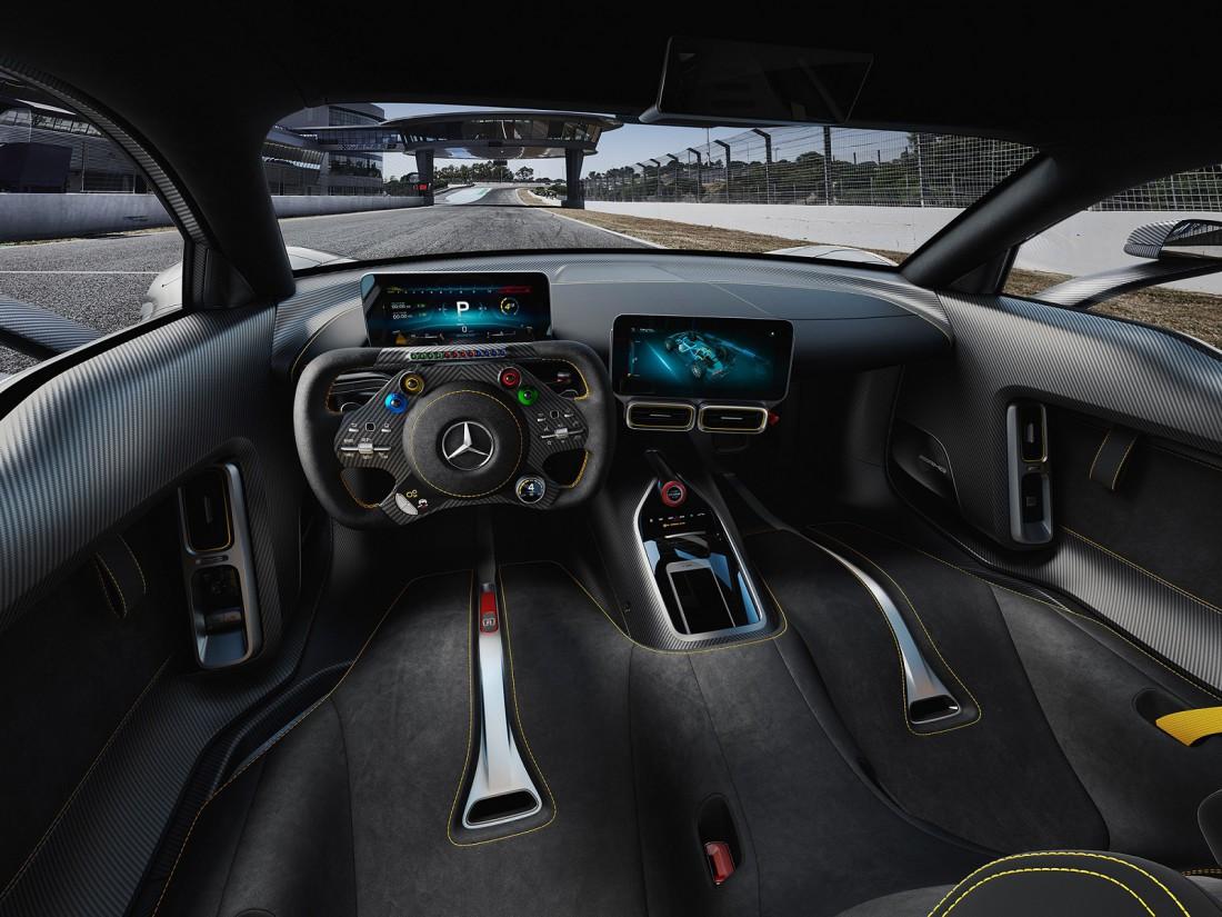 Салон и торпедо Mercedes-AMG Project One