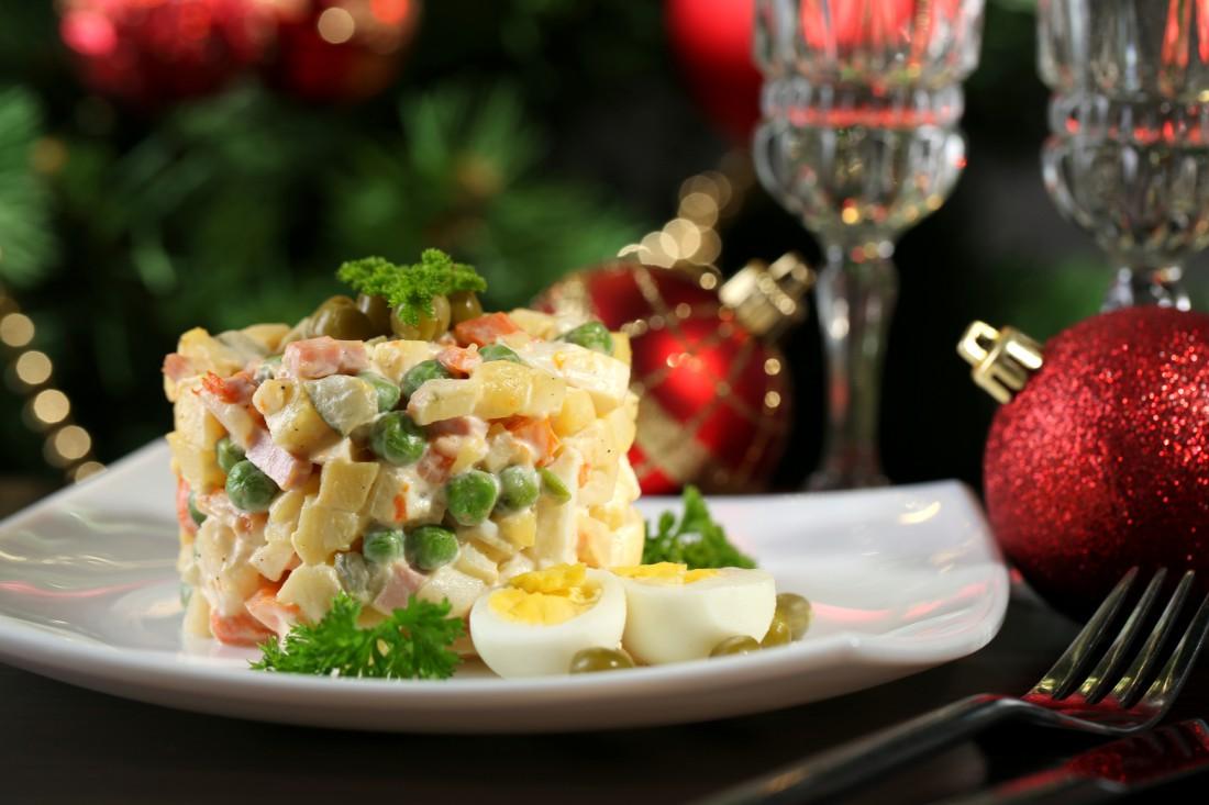 Оливье — новогодний салат, в котором ты обязательно должен уснуть