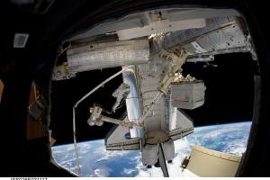 Стыковка Discovery с МКС