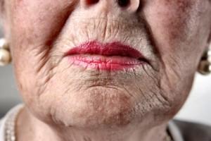 Некоторые губы готовы дарить поцелуи до старости