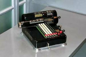 Механический калькулятор 1915 года