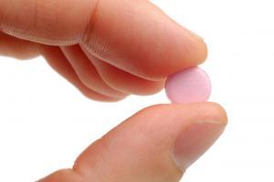 Прежде чем проглотить таблетку, вспомни, что ты ел и пил сегодня