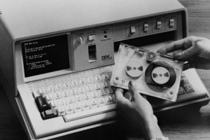 Портативный IBM 5100 на касетах
