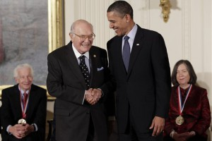 Гарри Кувер потрафил и Обаме: видно, клей не раз  пригодился президенту США