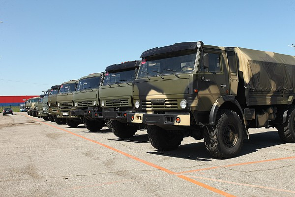 Армии будут нужны в первую очередь грузовики и внедорожники