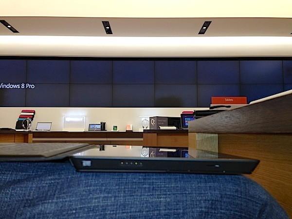 Microsoft Surface Pro: обрати внимание на толщину - до изящности iPad ему далеко