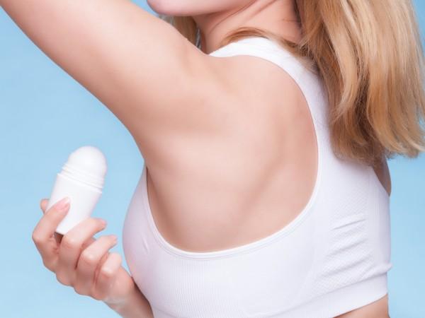 Как справиться с запахом из подмышек без дезодоранта