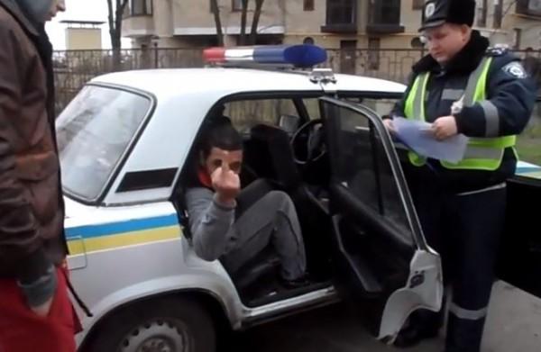Арабы вели себя крайне грубо даже в присутствии милиции
