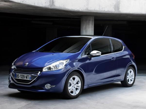 Французские автопроизводители продают машины по новым ценам