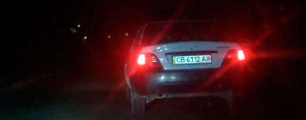 Журналистов подрезал автомобиль Daewoo. Пришлось ставить запаску.