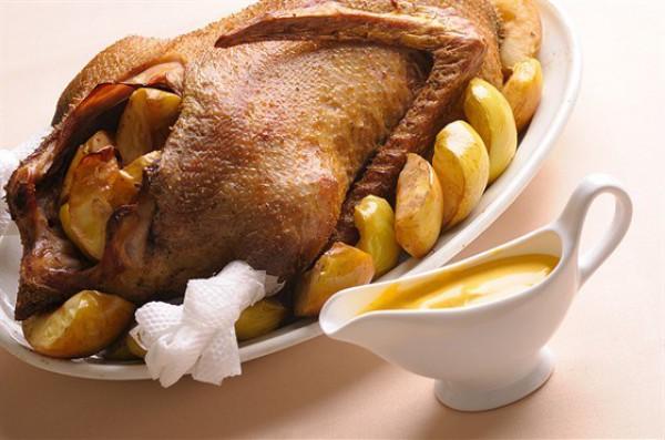 Рецепт                  Утка с яблоками и специями