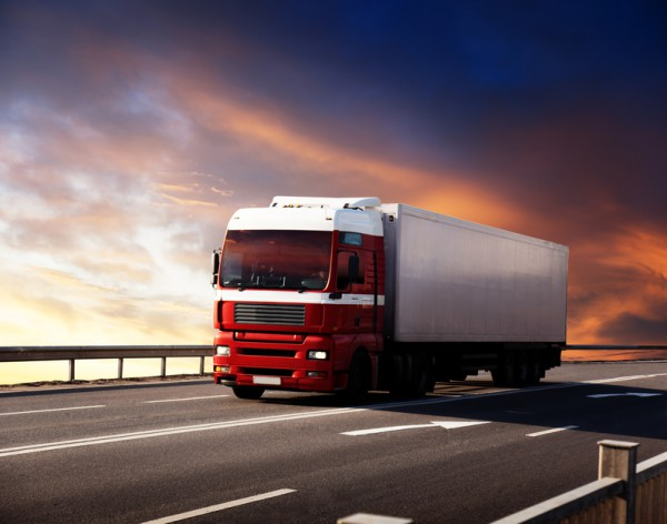 С грузовиков обещают брать плату за проезд