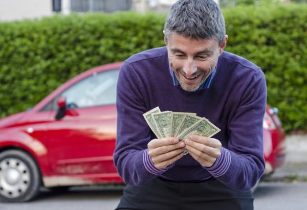 Есть три основных способа продать машину. Самый рискованный - по доверенности